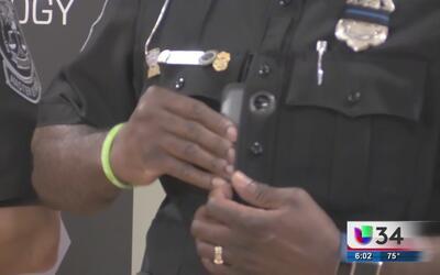 Policías comenzarán a portar cámaras en uniformes