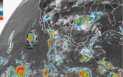 Imagen de satélite del Huracán Categoría 1, Frank.