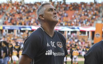 Owen Coyle dejó de ser el técnico del Houston Dynamo.