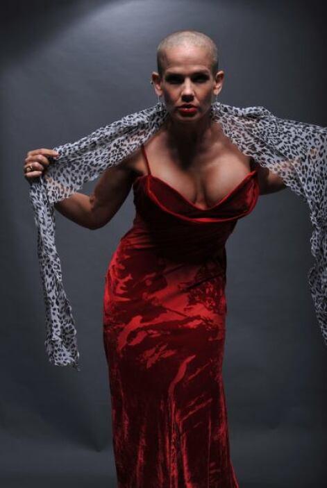 Y es que la cubana es toda una vedette: canta, baila, actúa, modela y pr...
