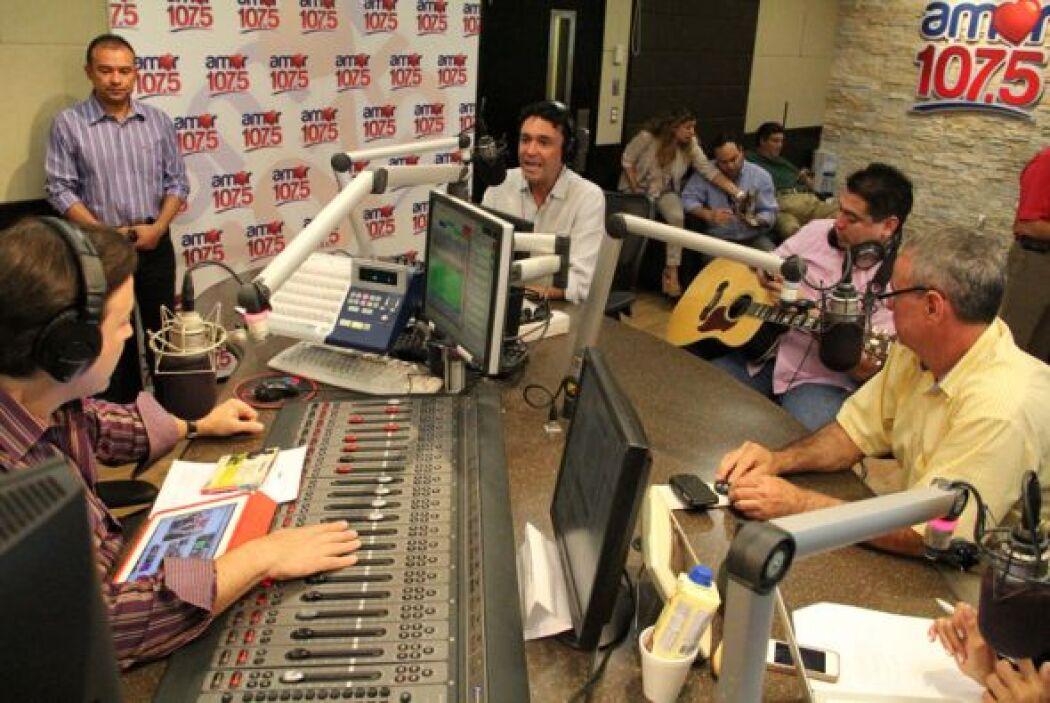 El cantante colombiano Andres Cepeda compartió su excelente música con n...