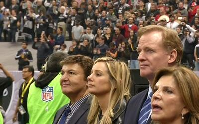 Nadie abucheó durante himno de los Estados Unidos en partido Texans vs....