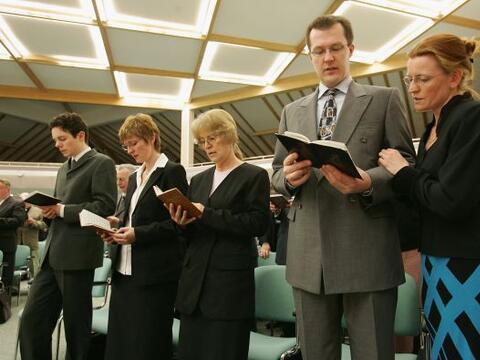 Los testigos de Jehová no creen en la Trinidad ni en el infierno...