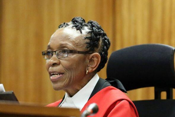 La jueza Thokozile Masipa hizo pública la sentencia tras revisar los arg...