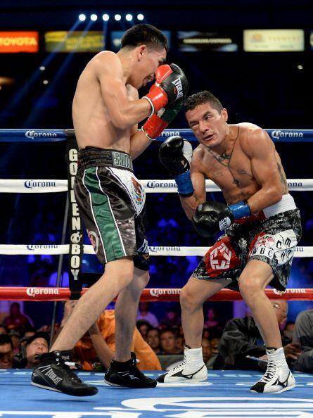 Buen primer round, los dos púgiles salieron a boxear, se vieron muy técn...