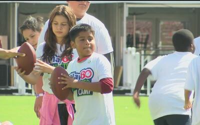 LA Rams organizaron un campamento para niños en Los Ángeles