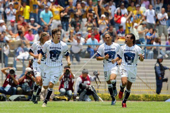 Los goles fueron obra de Omar Bravo, a los tres minutos, por los de Guad...
