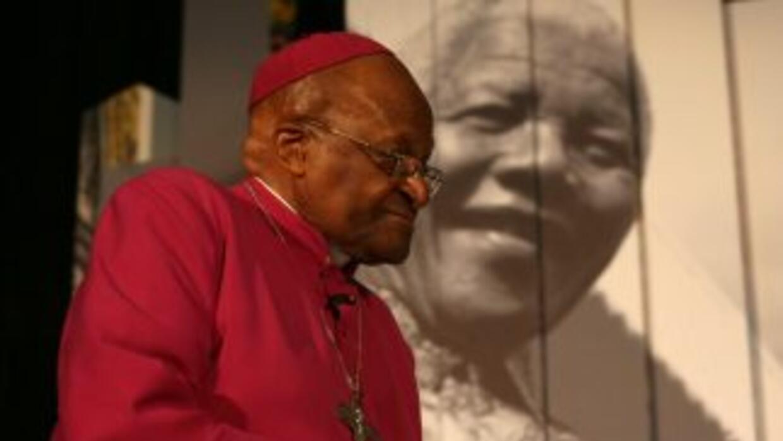 Tutu rezó porque Dios secara las lágrimas de la familia Mandela y renova...