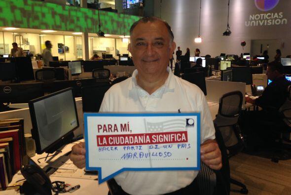 Fernando Escobar del Noticiero Univision muestra su agradecimiento a est...