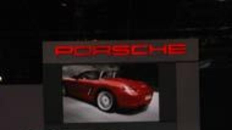El primer híbrido de Porsche debutó en Nueva York. fe0318bd7b88431a959cb...