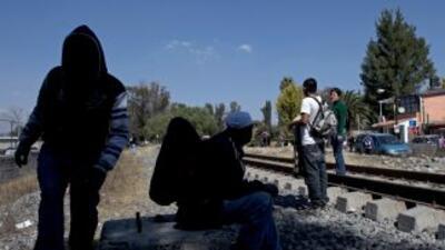 Inmigrantes pasan todo tipo de aventuras al cruzar por México en su cami...