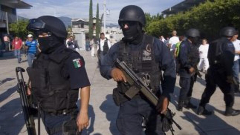 La Policía Federal mexicana anunció la expulsión de 3,200 de sus agentes...