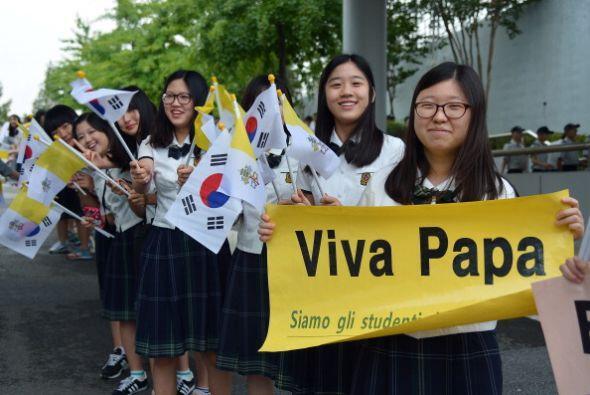Ahí encabezó la VI Jornada de la Juventud Asiática...
