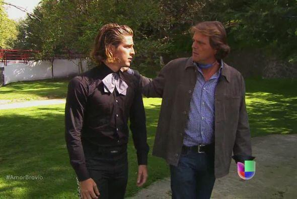 Pablo le platica a su hermano Mariano lo que sucede con Luzma. Realmente...