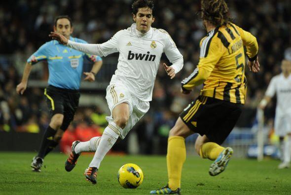 Mourinho mandó desde el arranque a Kaká en el medio campo.
