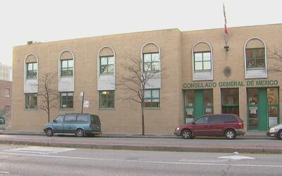Se incrementa petición de servicios en el Consulado de México en Chicago...