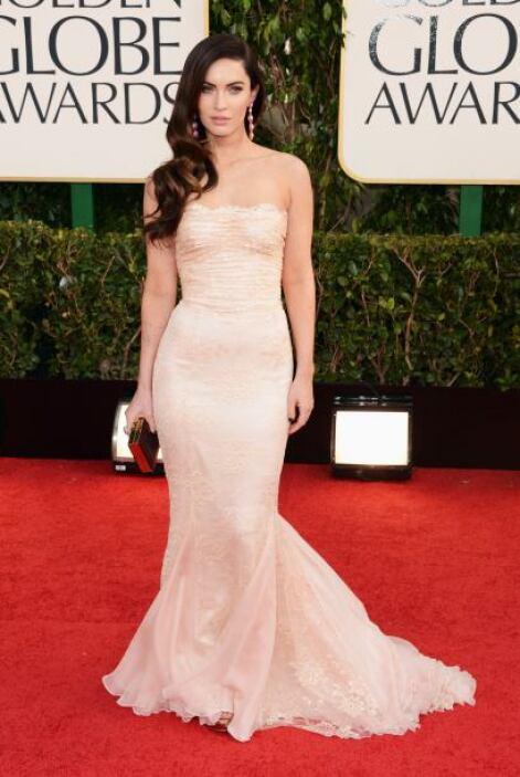 Natural, sencilla y muy bella es como se veía Megan Fox con su entallado...