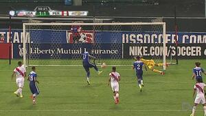 Jozy Altidore falla penalti pero se reconcilia con el gol ante Perú