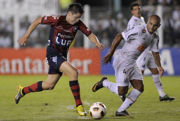 La otra estrella del partido fue el juvenil argentino paraguayo Juan Man...