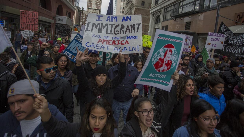 Migrantes, estudiantes y sindicalistas demandan un alto inmediato a las...