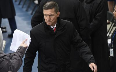 Flynn, en el ojo del huracán por presuntas conversaciones no autorizadas...