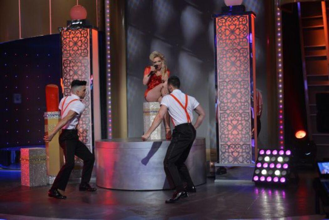 Acelyn, se presenta una vez más en el escenario de 'Viva la Diva', para...
