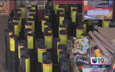 Decomisan fuegos artificiales en Stockton