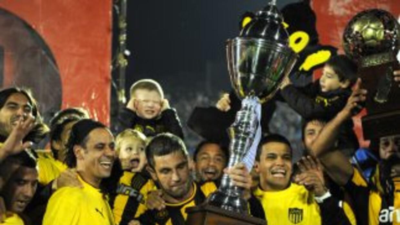Peñarol se proclamó campeón tras vencer a Defensor Sporting por 3-1 clas...