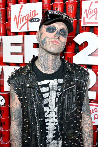 Fue hasta los 12 años cuando conoció al tatuador Frank Lew...