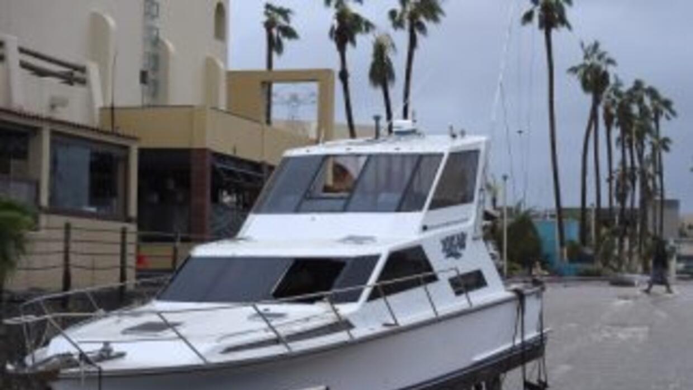 Tras el azote del devastador huracán Odile, el balneario de Los Cabos af...