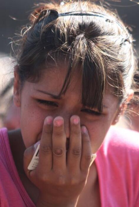 El dolor y llanto de los familiares de los presos invadieron las afueras...