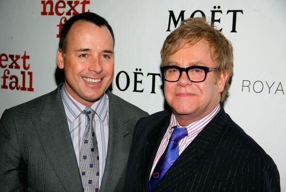 A pesar de la gran diferencia de edad, David de 52 y Elton de 67, han lo...