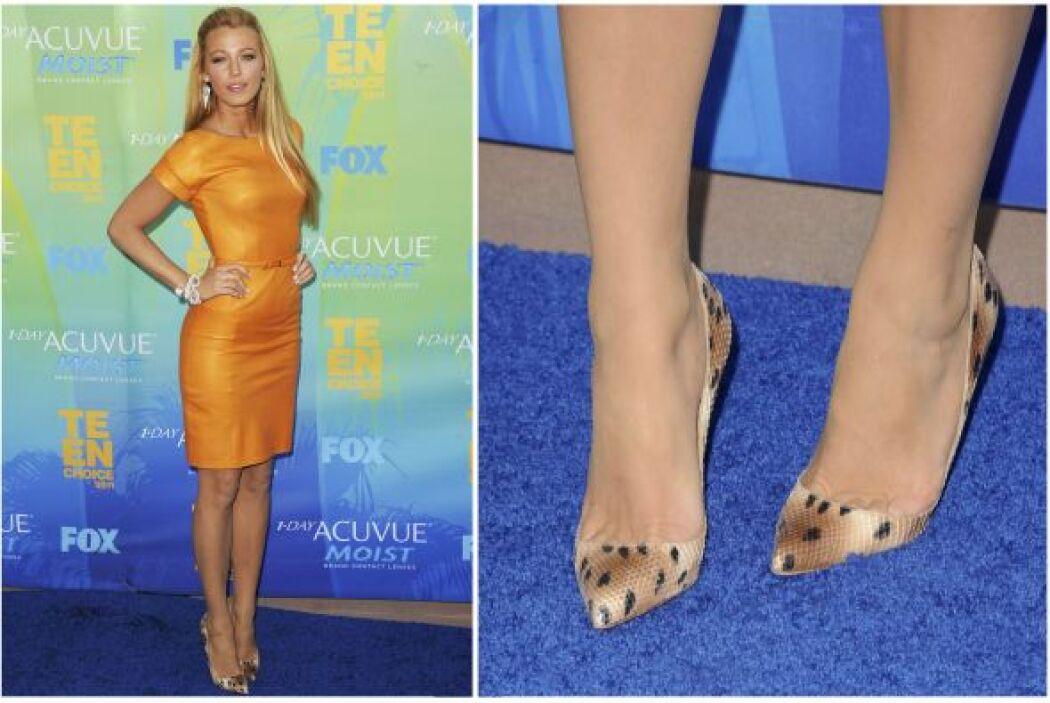 Hya zapatos felinos muy sencillos como éstos que recientemente usó Blake...