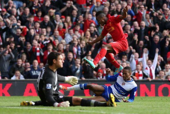 Raheem Sterling hizo el gol del triunfo en esta jugada.