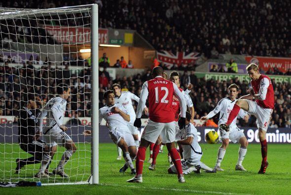 Arsenal se lanzó al frente por completo, este marcador no estaba...