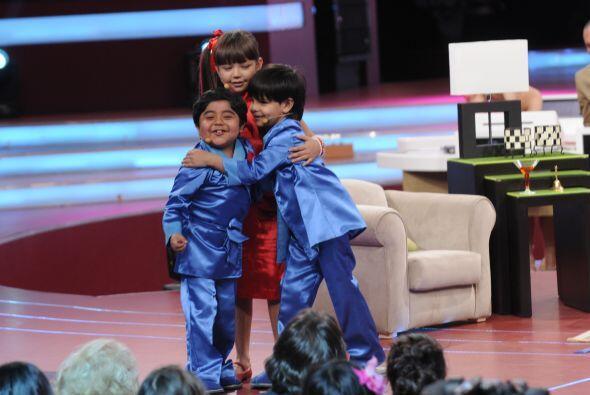 Telesa logra convencer a Rogelio de que Miguel Ángel es su hijo p...