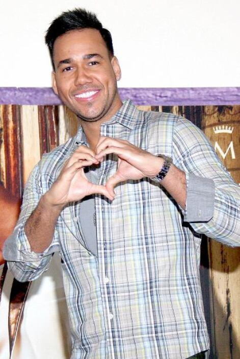 2.Es uno de los artistas latinos más famosos: Romeo tiene más de 20 mil...