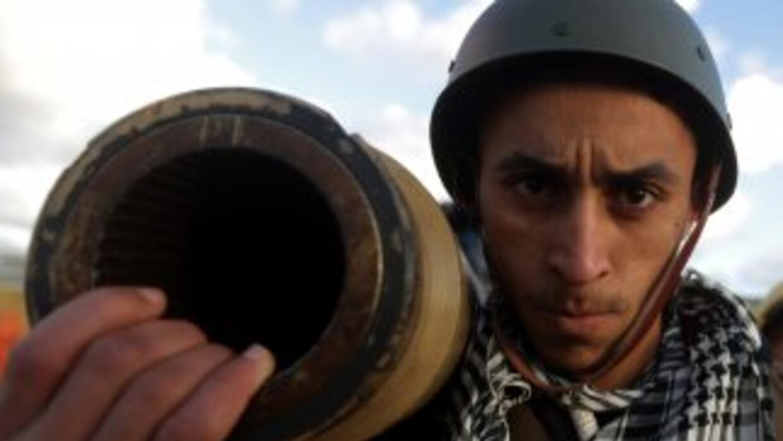 OPositores al líder libio Moamar Gadafi tomaron control de varias ciudad...
