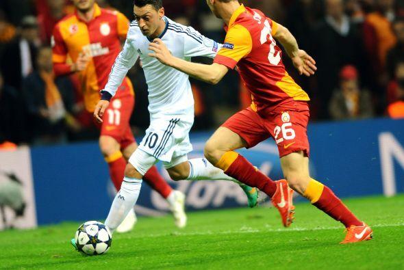 EL Madrid retrasó líneas y solo lo intentó al contragolpe.