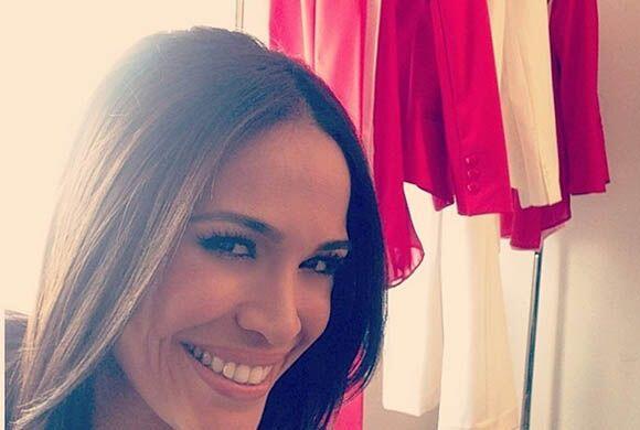 """""""Preparando una sorpresita! #sonrisa"""", contó Karla. (Abril 4, 2014)"""
