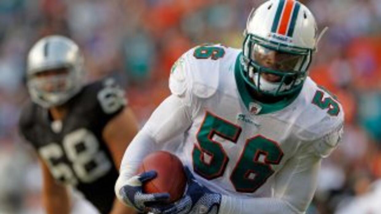 Kevin Burnett fue cortado por los Dolphins.