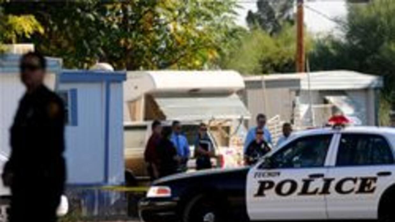 La policia de Tucson investigando crimen