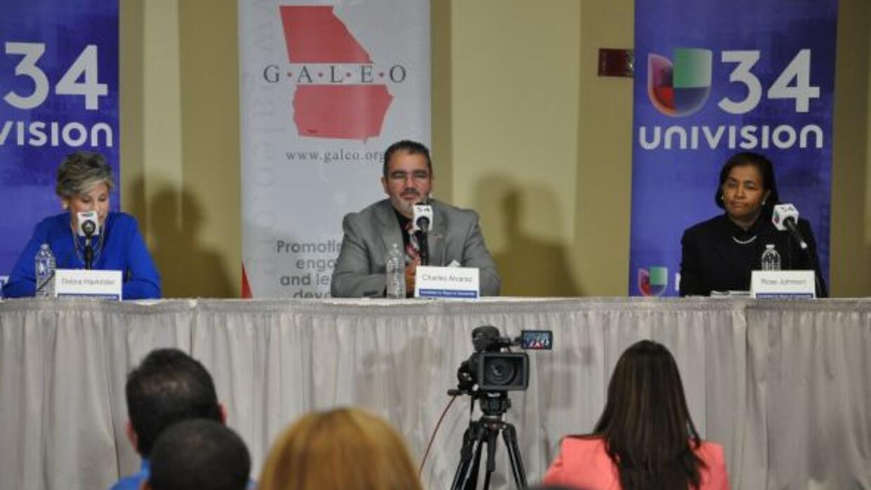 Mira aquí la grabación del foro político histórico que organizaron Univi...