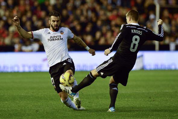 Valencia intentó controlar los últimos minutos del juego esperando aguan...