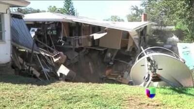 Un socavón aterrorizó a residentes de Florida