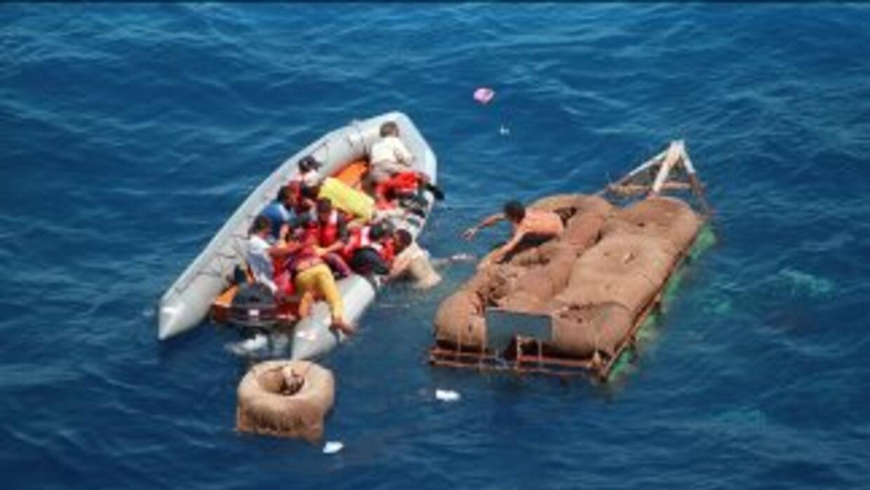 13 personas viajaban a bordo del bote, de 48 pies, que partió desde Puer...