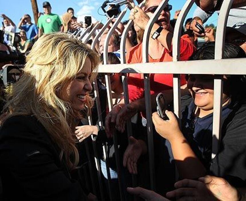 ShakiraLa colombiana fue una de las primeras en llegar a Phoenix para sa...