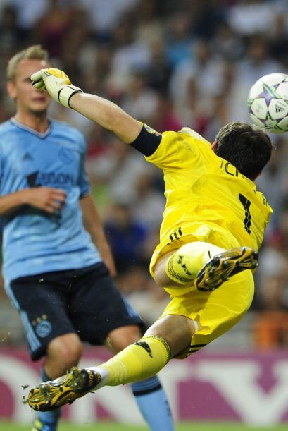 Iker Casillas se lució y dejó bien claro que sigue siendo...