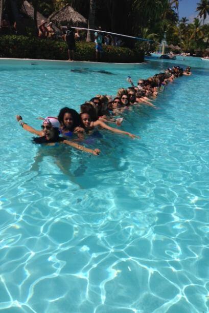 Raúl de Molina estaba punto de nadar entre las piernas de 60 mujeres.
