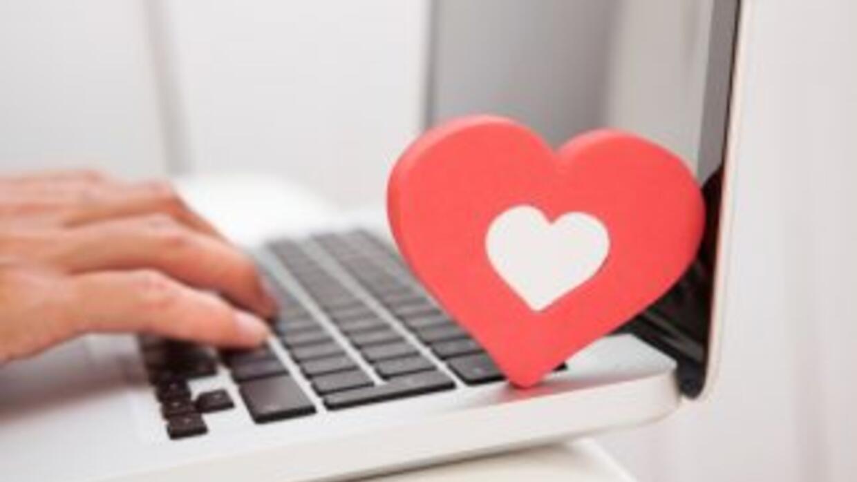 Un joven de la India mató a su novia virtual de Facebook porque le minti...
